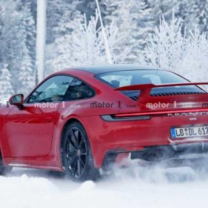 porsche 911 spied with aero pack